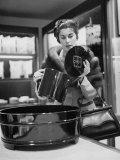 Woman Shopping at Takashimaya's Department Store Premium Photographic Print by Nina Leen