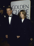 Married Actors Dennis Quaid and Meg Ryan at the Golden Globe Awards Premium Photographic Print