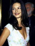 "Actress Catherine Zeta- Jones at Film Premiere of ""Double Jeopardy"" Premium Photographic Print by Dave Allocca"