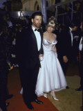 Actors Alec Baldwin and Kim Basinger at the Academy Awards Premium Photographic Print