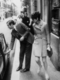 Actress Audrey Hepburn Having Car Door Opened by Psychiatrist Husband Andrea Dotti Reproduction photographique sur papier de qualité