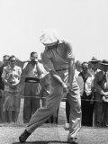 Ben Hogan Hitting a Golf Ball Premium fotografisk trykk av John Dominis