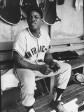 Baseball Player Willie Mays During Giants-Braves Game Premium Photographic Print