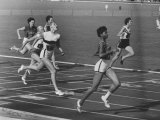 US Sprinter Wilma Rudolph During Women's 400-Meter Relay Race in Olympics Fototryk i høj kvalitet