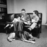 Physicist J. Robert Oppenheimer at Home with Son Peter and Daughter Toni Premium Photographic Print by Alfred Eisenstaedt