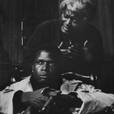 "Actor Sidney Poitier and Actress Claudia Mcneil, in a Scene from the Play ""A Raisin in the Sun"" Reproduction photographique sur papier de qualité"