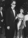 Actors Tim Robbins and Susan Sarndon on their Way to the Academy Awards Premium Photographic Print by Kevin Winter