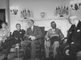 President Franklin Roosevelt and His Wife Hosting Visit Premium Photographic Print