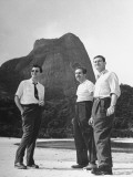 Artist Franklin Thomas Standing with Walt Disney on Brazilian Beach Reproduction photographique