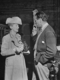 Director Carol Reed Talking with Columnist Hedda Hopper Premium Photographic Print