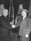 President Harry S. Truman Meeting with a Jewish Veteran at the White House Premium Photographic Print
