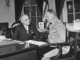 Harry S. Truman Talking with Carl Spaatz Premium Photographic Print