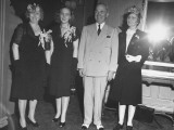 President Harry S. Truman and His Family Posing Together During a Homecoming Ceremony Premium Photographic Print