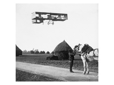 Flight by Henri Farman (1874-1958) from Chalons to Reims, 1908 Premium Giclee Print