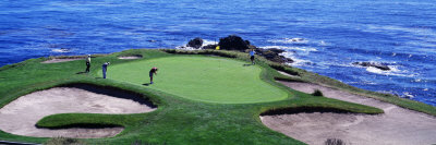 Golfers Pebble Beach, California, USA Fotografisk tryk af Panoramic Images,