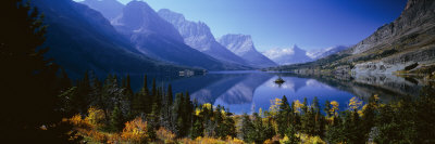 Mountains Reflected in Lake, Glacier National Park, Montana, USA Fotografisk tryk af Panoramic Images,