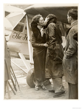 Amy Johnson, British Aviator Who Made Several Record Flights Lámina giclée