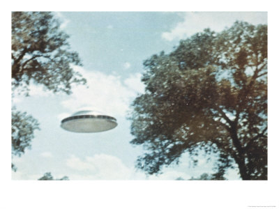 UFO from Coma Berenices Giclee Print by Paul Villa