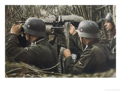 German Machine-Gun Crew Ready and Waiting Premium Giclee Print by Unsere Wehrmacht