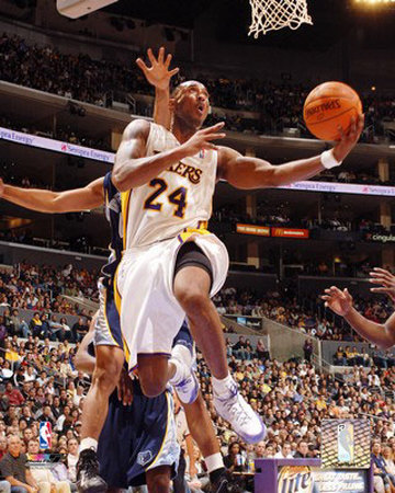 Kobe Bryant Pictures. Kobe Bryant Photo at