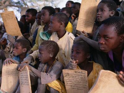 Children at Village School, Niger Fotografisk tryk af Oliver Strewe