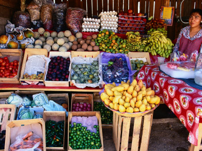 Fruit and Vegetable Shop on Roadside, Oaxaca, Mexico Lámina fotográfica