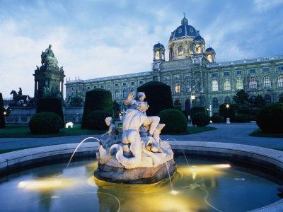 Exterior of National Opera House, Vienna, Austria Photographic Print by Richard Nebesky