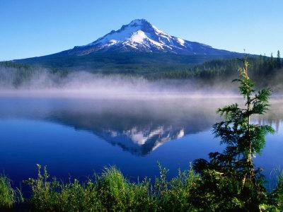 Trilium Lake with Mt. Hood in Background, Mt. Hood, Oregon Lámina fotográfica por John Elk III