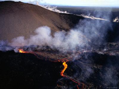Lava Flow of Kilauea Volcano, Kilauea, Hawaii Photographic Print by Peter Hendrie