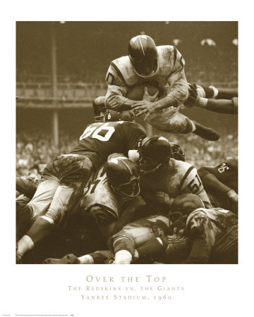 En la cima: The Redskins vs. The Giants, ca. 1960 Lámina