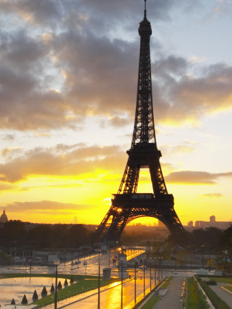 Eiffel Tower at Dawn, Place Trocadero Square, Paris, France Photographic