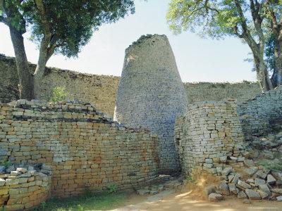 The Ruins of Great Zimbabwe, Zimbabwe Photographic Print by I Vanderharst