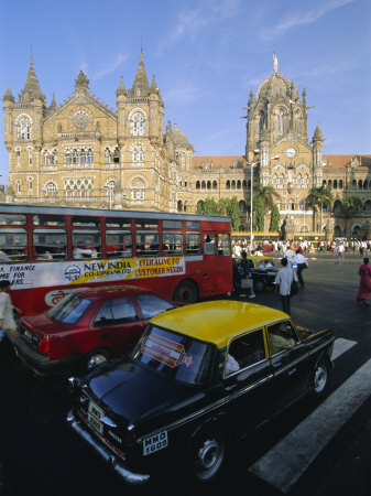 Traffic in Front of the Station, Victoria Railway Terminus, Mumbai, Maharashtra State, India Photographic Print by Gavin Hellier