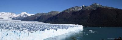 Perito Moreno Glacier and Andes Mountains, El Calafate, Argentina Photographic Print by Gavin Hellier