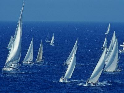 Sailing Off the Island of Antigua in the Caribbean Fotoprint av Kenneth Garrett