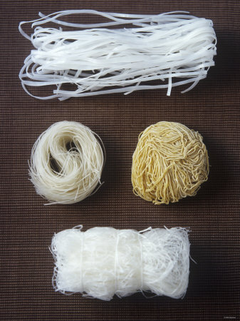 Four Different Types of Asian Noodles Fotografisk tryk af Jean Cazals
