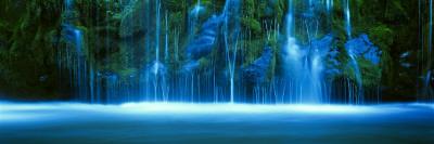 Mossbrae Falls, Sacramento River, Shasta Cascade, Dunsmuir, California, USA Photographic Print by  Panoramic Images