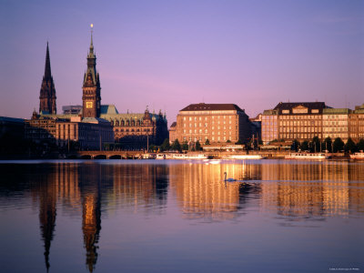 City Skyline and Binnenalster Lake, Hamburg, Schleswig-Holstein, Germany Fotografisk tryk