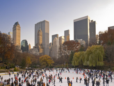 Wollman Icerink at Central Park, Manhattan, New York City, USA Fotografisk tryk af Alan Copson