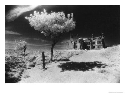 Plas Pren, Denbighshire, Wales Giclée-Druck von Simon Marsden