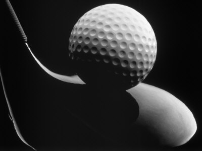 Golf Club and Golf Ball Fotografisk tryk af John T. Wong