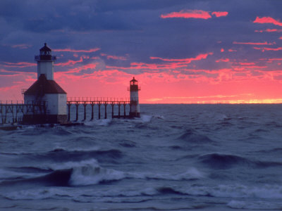 Sunset, Lighthouse, Benton Harbor, MI Stampa fotografica di Charles Benes