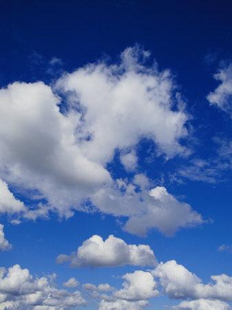 http://cache2.allpostersimages.com/p/LRG/26/2687/BLWUD00Z/affiches/edwards-jason-gros-nuages-blancs-pres-de-carnarvon-national-park-dans-le-queensland.jpg