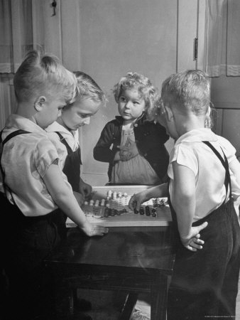Children Playing Chinese Checkers Photographic Print by John Florea