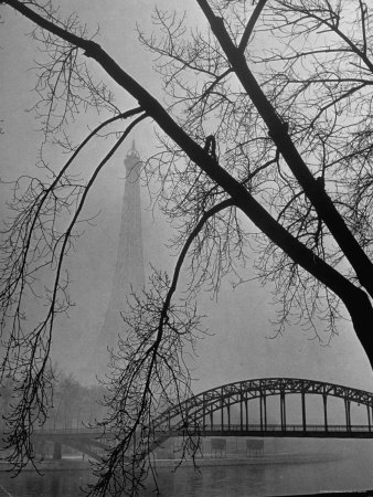 Passerelle Debilly Bridge on a Foggy Winter Day with the Eiffel Tower in the Background Photographic Print by Ed Clark