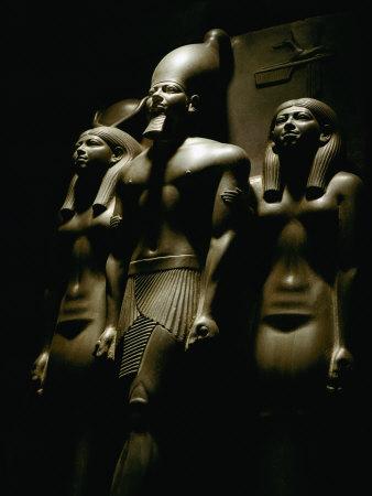 Statue of Pharaoh Menkaura, Found at Giza Fotoprint av Kenneth Garrett