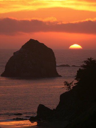 Sunset on the Oregon Coast Near Gold Beach Photographic Print by Skip Brown