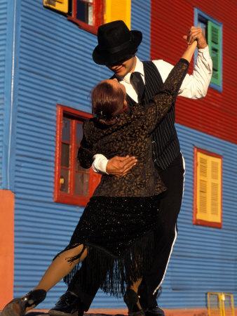 The Best City XXI- Buenos Aires (gala final, pág.5!!) Pitamitz-sergio-tango-dancers-on-calle-caminito-la-boca-district-buenos-aires-argentina
