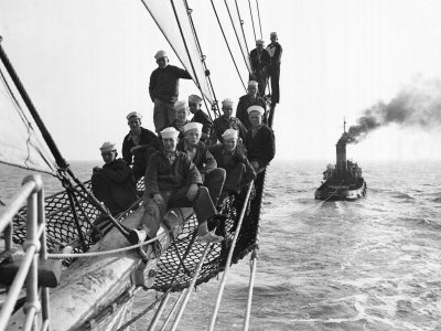 Cadets Aboard the Sorlandet Sailing in the English Channel, June 1952 Photographie