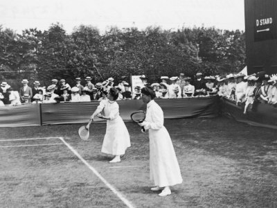Ladies' Doubles Match at Wimbledon Fotografie-Druck